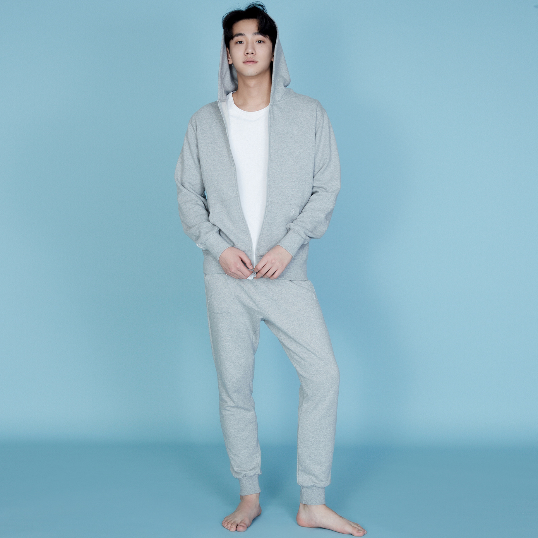 QUATRE GREY LONG SWEAT PANTS